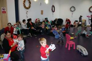Baby-and-Toddler-Christmas-Party-The-Park-Community-Centre-www.theparkcommunitycentre.com-IMG 1737