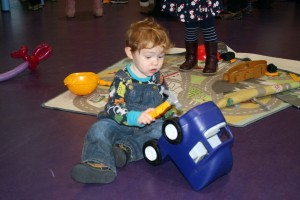 Baby-and-Toddler-Christmas-Party-The-Park-Community-Centre-www.theparkcommunitycentre.com-IMG 1742