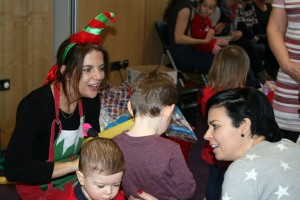 Baby-and-Toddler-Christmas-Party-The-Park-Community-Centre-www.theparkcommunitycentre.com-IMG 1756