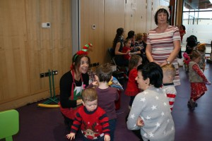 Baby-and-Toddler-Christmas-Party-The-Park-Community-Centre-www.theparkcommunitycentre.com-IMG 1757